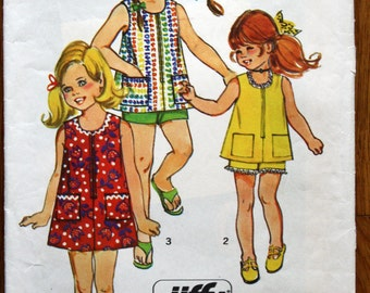 Simplicity 9438 Girl's Jiffy Dress, Top, and Shorts Vintage Sewing Pattern