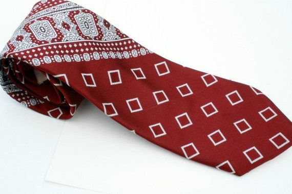 Red and White Diamond Vintage Necktie