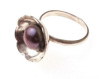 Unique Gift For Her, Silver Pearl ring -Center Stone Ring, The Big Pearl, sterling Silver Ring with freshwater Pearl