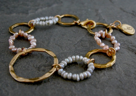 Women's Gift, Womens pearls Bead Bracelet ,Gold Pearls Bracelet Large Links Bracelet , Gold Hoops Bracelet with grey and pink pearls