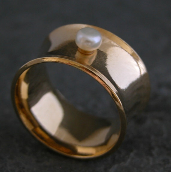 Women's Gift, Classic Gold Pearl Ring -The Pearl of Love , Gold Ring with Pearl