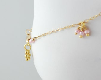 Dainty Pink Anklet, Freshwater Pearls, Gold Filled Jewelry, Daisy Charm, Feminine Pretty, Wire Wrapped, Free Shipping