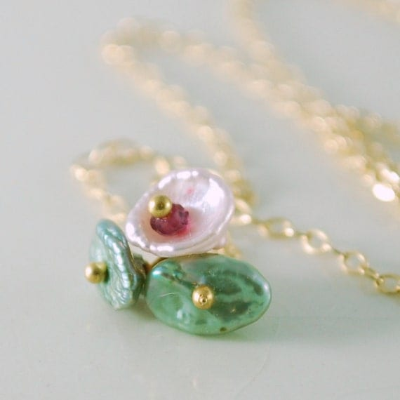 Tiny Blossom Necklace Chain Keishi Keshi Freshwater Pearl Flower Necklace Gold Jewelry Complimentary Shipping