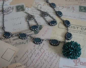Emearld Green Victorian inspired Necklace with matching earrings