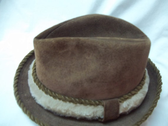 Vintage Dobbs Suede Fedora Hat with Faux Fur size 7