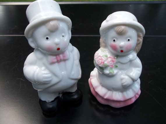 Vintage Wedding Bride and Groom Salt and Pepper Shakers Cake Topper