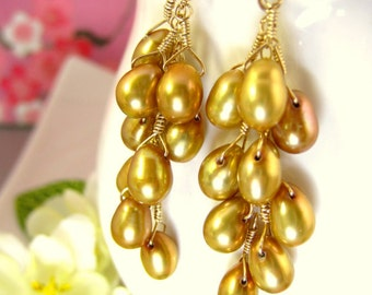 Gold cluster pearl dangle earrings, gold bridal pearl earrings, goldpearl  bridesmaid earrings, gold pearl cluster Christmas earrings