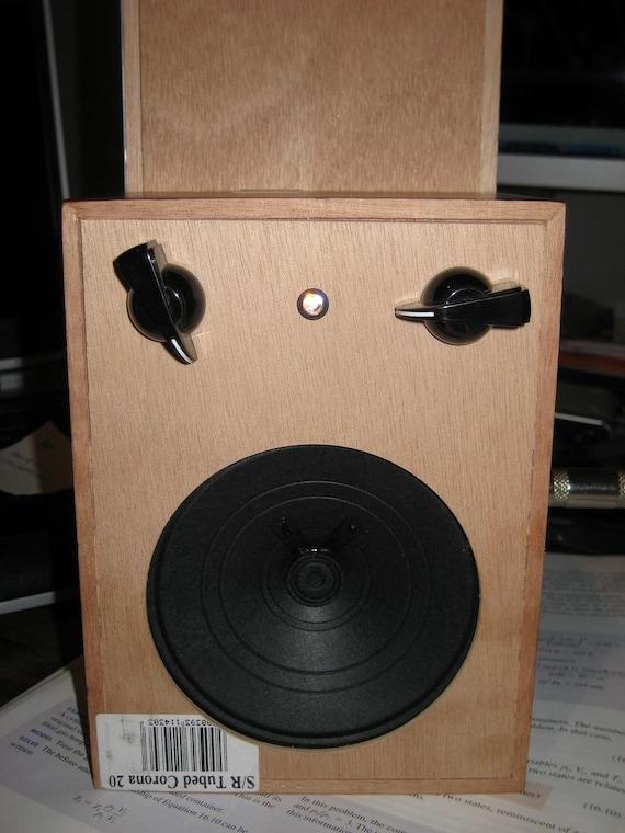 3/4 Watt Cigar Box amp as seen at Makezine (Cracker Box Amp)