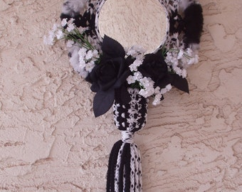 Macrame Wallhanging with Mirror and Floral