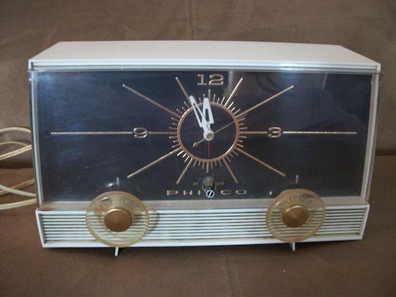 Vintage Plastic Cased Philco Electric Clock / Radio