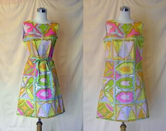 SALE! 1960's Vintage Mod Graphic Print Shift Dress M