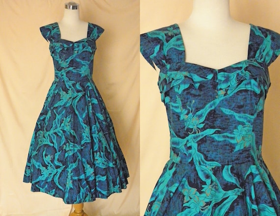 1950's Vintage Kamehameha Long Blue Hawaiian Dress Large