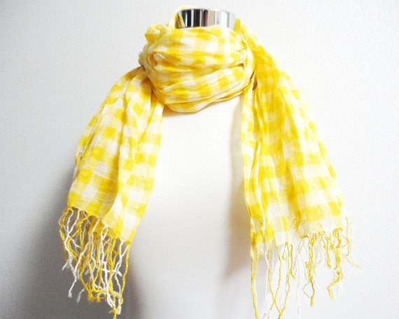 Lemon yellow scarf in check made by Linen gauze