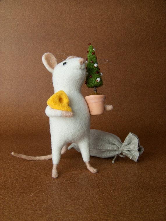 Christmas Mouse - Needle Felted Miniature