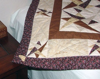 Quilt - Earth tone layered triangles - Lap or crib size (44in x 53in)