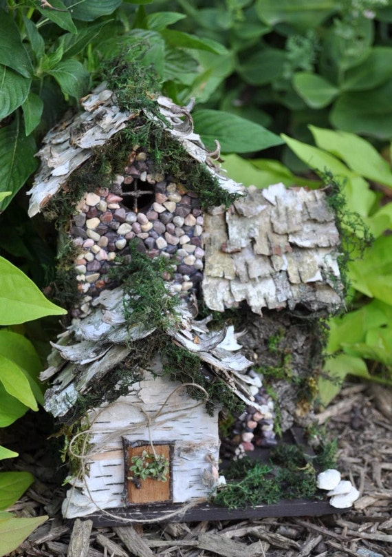 Сказочные домики своими руками для сада 17