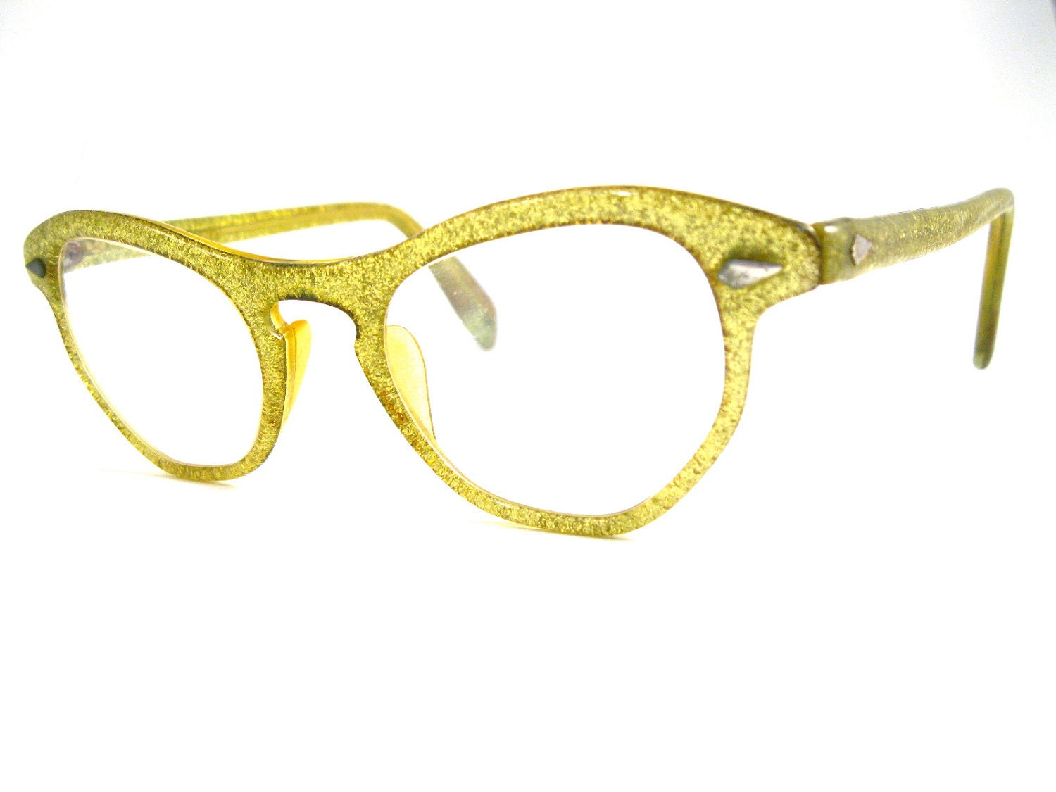 gold glitter cat eye glasses. sparkly awesome and unique.