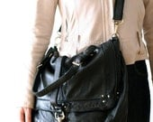 Very Supple Leather Messenger Bag - Black