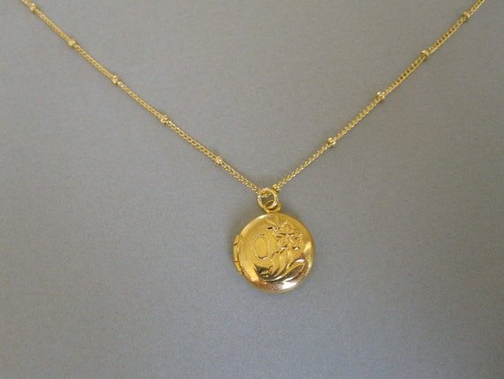 Vintage Small Locket from the 60's Necklace