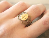 Fallen Leaf - A Golden Simplistic Nature Ring