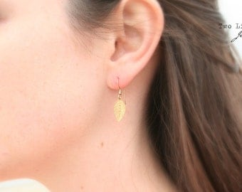 Golden Leaf Earrings / Simple Everyday Jewelry