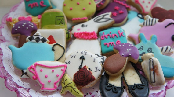 Reserved listing itsy bitsy Alice in wonderland Cookies-bite size Alice in wonderland cookies -Alice in wonderland cookie image -36 pieces