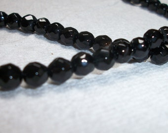 black onyx, 6mm faceted round Sold per 15pcs