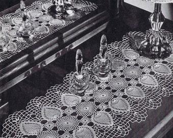 Tablerunner Pineapple Doily Vintage Crochet Pattern PDF, c. 1946