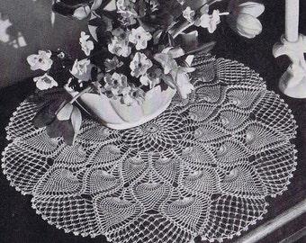Centerpiece Pineapple Doily Vintage Crochet Pattern PDF, c. 1946