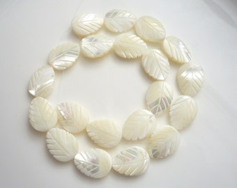 6 pcs Mother of pearl, shell, leaf beads   (20x15mm)