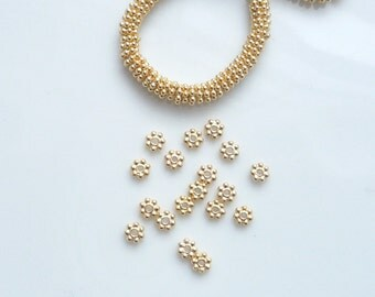 20 pcs (4mm)Vermeil daisy spacers