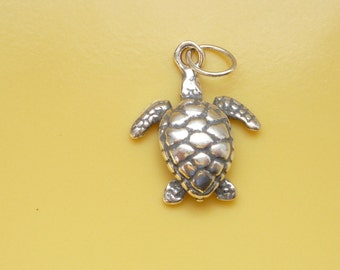 Sterling silver, Turtle charm OXIDIZED , pendant (15x12mm)