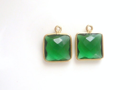 2 pcs Vermeil ,square  pendant  with  faceted Green Quartz  cabochon,