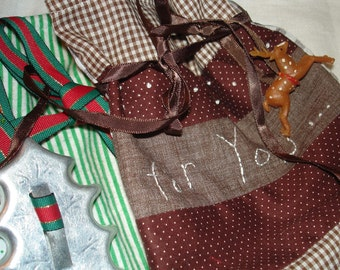 Holiday Fabric Gift Bags Vintage Fabric Vintage Embellishments 3 of em