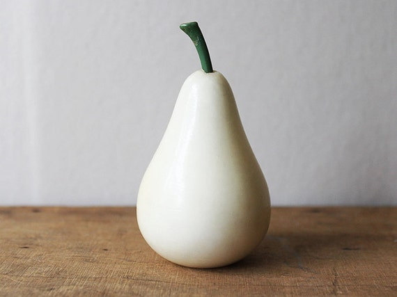 Pear Figure Paperweight Fruit Figurine Ornament Decoration cream green