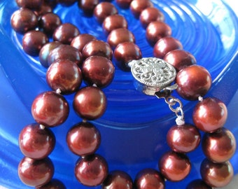 Was 259 - Vintage Brown Red Freshwater Pearl Necklace - KYOTO - RARE FIND - 9 mm Natural Red Brown Round Pearls