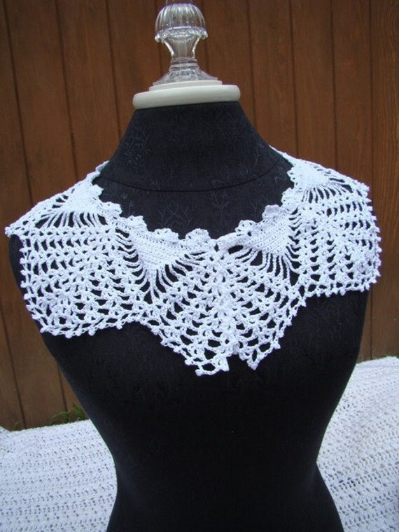 Victorian white lace crocheted collar