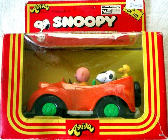 SNOOPY'S FAMILY CAR - DIE CAST METAL - MINT IN BOX - SHOWROOM CONDITION - Treasury Selection
