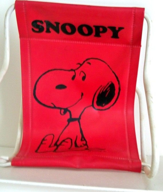 Vintage Snoopy Red Vinyl Sling Lounge Chair - Good Condition