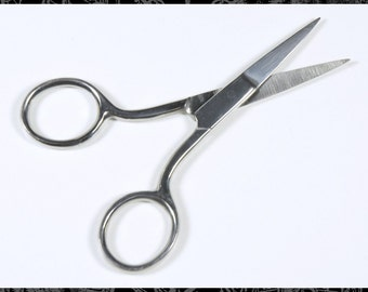 Small Scissors for Delicate Detail Cutting or Thread Snipping  Tools * T1