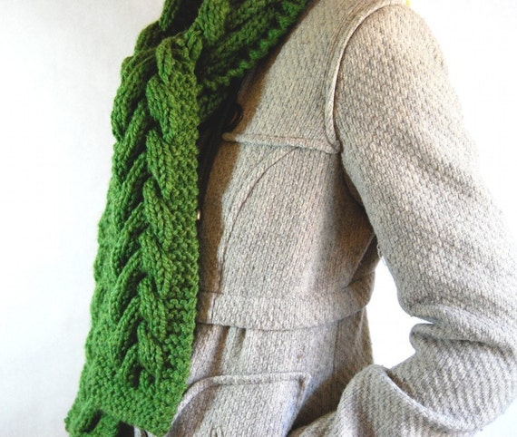 READY TO SHIP - Warm Cable Scarf - Grass Green