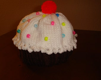 chocolate cupcake hat with beads (sprinkles)