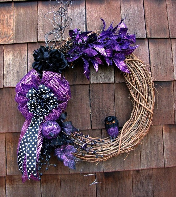 Halloween Grapevine Wreath - Whoooo Goes There Halloween Wreath - READY TO SHIP