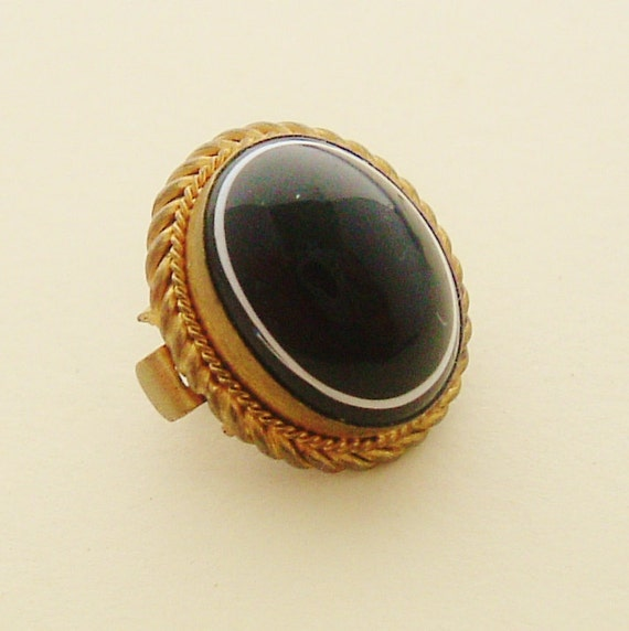 Victorian antique pinchbeck and black bullseye onyx chain slide or clip