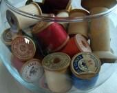 Wooden spools of thread - 30 vintage