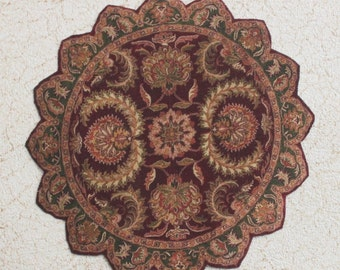 Miniature Dollhouse Rug Round With Petal Border Burgundy and Hunter Green 1:12 Scale