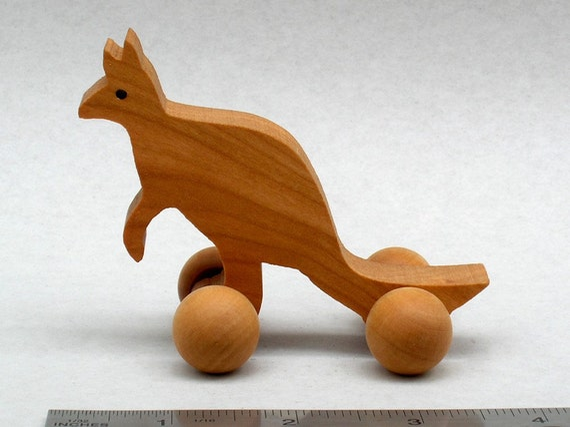 Kangaroo Wheel Toy Ecofriendly Wood Toy Kids Party Favor Wooden Animals Australia, Australian Animal Wooden Gift for Boys and Girls Waldorf