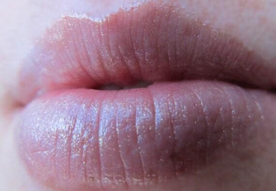 Snitch Kiss Mineral Lip Gloss