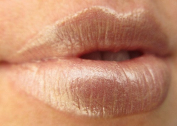 Shiny Nude Mineral Lip Gloss, Vegan