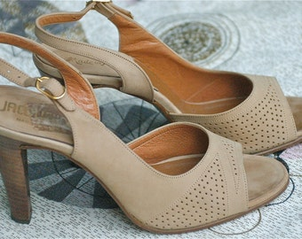 7.5, 8 Leather and Wood Platforms, Taupe Heels